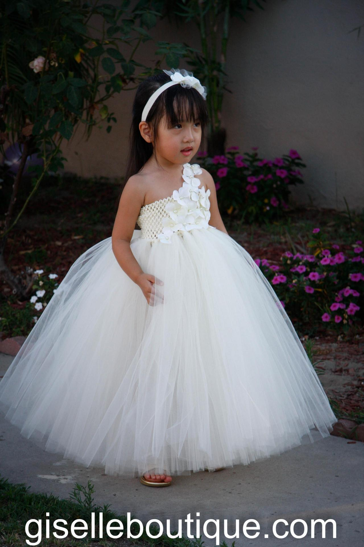 Flower girl dress. Ivory with Ivory flowers and Pearls. Wedding. Birthday